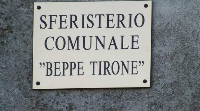 A Montechiaro intitolato lo sferisterio del muro a Beppe Tirone (foto)