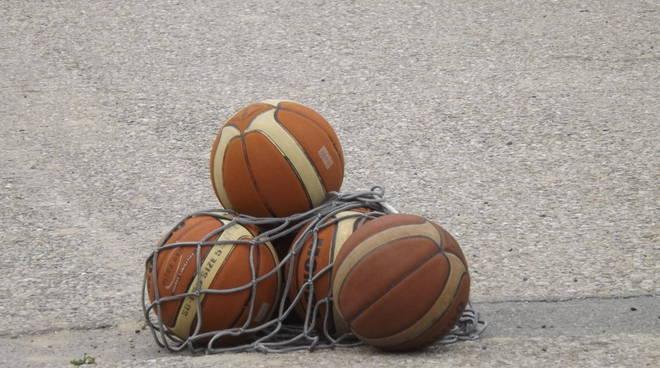 Contro il Pinerolo 87 ancora un ko casalingo per la New Glass Omega Basket