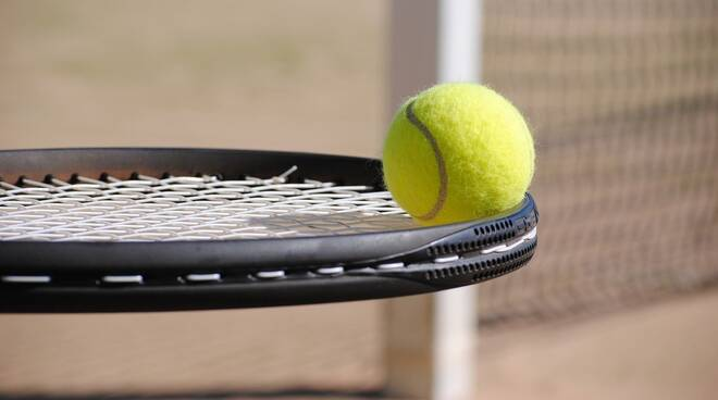 tennis repertorio Foto di Nici Keil da Pixabay