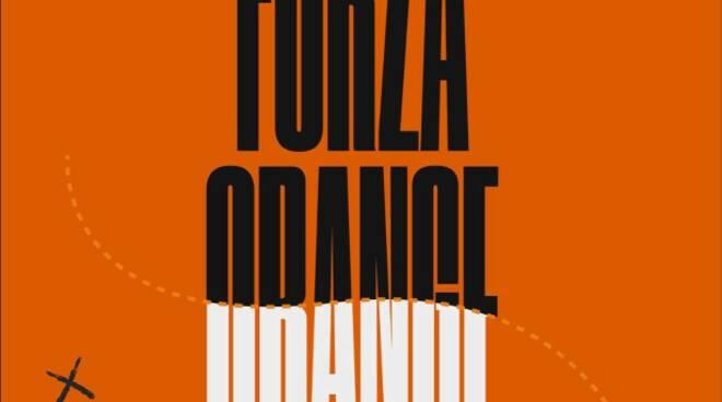 orange futsal